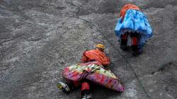 Οι γυναίκες από την Βολιβία που κατακτούν κορυφές φορώντας τις παραδοσιακές στολές
