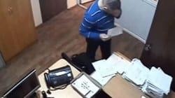 Ρώσος δικηγόρος τρώει τις αποδείξεις του μεθυσμένου πελάτη