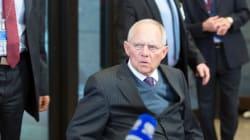 Ο Σόιμπλε τάσσεται υπέρ της μείωσης του φόρου εισοδήματος για τους