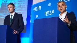 Ένας δισεκατομμυριούχος και ένας γιος πακιστανού οδηγού λεοφωρείων υποψήφιοι για το δημαρχιακό θώκο του
