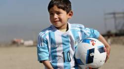 L'histoire du petit Afghan fan de Lionel Messi est devenue