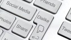 Έρευνα: Όσο πιο πολλά σχόλια κάνετε online, τόσο πιο ανόητα γίνονται