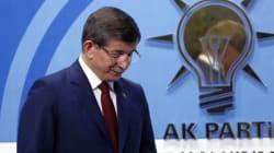 Financial Times: Η παραίτηση Νταβούτογλου απειλεί τη συμφωνία για το