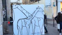 Girafe ou éléphant? Cette sculpture en trompe l'œil va vous