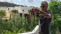 Ο Anthony Bourdain ταξίδεψε στην Νάξο χωρίς να ξέρει πολλά για το νησί και τελικά το
