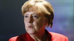 독일 메르켈 총리를 모욕하는 '돼지머리'가