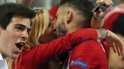 Η Νεμί Απάρ πήρε το φιλί του
