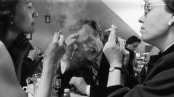 Μειώνονται οι καπνιστές, αλλά όχι το παθητικό κάπνισμα στην