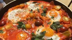 Αβγά κοκκινιστά με άρωμα ανατολής (ή αλλιώς