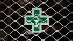 Απίστευτο: Συνταγή γιατρού με αιτιολόγια «ατύχημα διαστημοπλοίου» παρουσίασε
