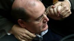 Πυρ ομαδόν κατά Φίλη από την αντιπολίτευση για τα περί «ορίων συνταγματικής ανοχής» για το