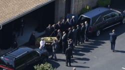 Will Smith et Mike Tyson portent le cercueil de Mohamed
