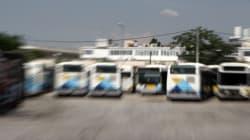 Οδηγός του ΟΑΣΑ απαίτησε από ηλικιωμένο επιβάτη να κατέβει από το λεωφορείο γιατί φορούσε ξεκούμπωτο