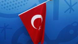 Κατηγορίες για τρομοκρατική προπαγάνδα αντιμετωπίζουν εκπρόσωπος των Γιατρών Χωρίς Σύνορα και δύο Τούρκοι