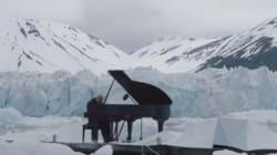 Ce pianiste joue sur un glacier du cercle Arctique pour nous