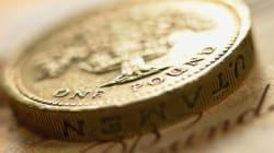 Βρετανία: Η στερλίνα χάνει τα κέρδη που
