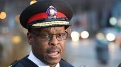 토론토 경찰청장이 35년 만에 게이 사우나 급습에 대해