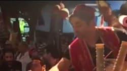 A Sidi Bou Saïd, le show d'un marchand de glace turc pas comme les