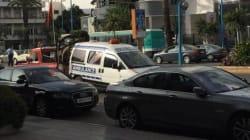 L'incroyable scène d'une dépanneuse qui saisit une ambulance à