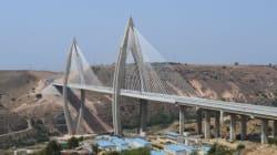 Le roi inaugure l'autoroute de contournement de Rabat et le pont à