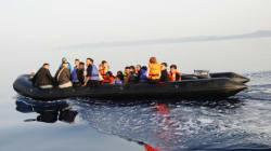 허프포스트가 바다 한가운데서 난민 26명을 구조하는 현장을 따라갔다(360도