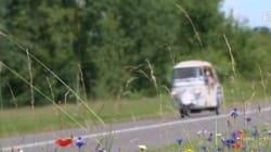 Trois globe-trotteurs marocains traversent la France en tuk-tuk