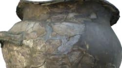 Για πρώτη φορά στο Αρχαιολογικό Μουσείο, ο μυκηναϊκός κρατήρας της μάχης που ανακαλύφθηκε πριν από 140