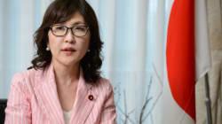 Η νέα υπουργός Άμυνας στην Ιαπωνία εκνευρίζει (ήδη) Κίνα και Νότια