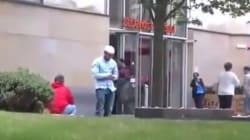 Κοινωνικό Πείραμα: Μουσουλμάνος προσεύχεται και δέχεται φραστική επίθεση. Δεν φαντάζεστε πως αντιδρούν οι