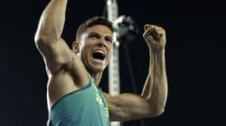 브라질이 남자 장대높이뛰기에서 올림픽 기록을 세우며 금메달을