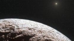 태양계의 새로 발견된 물체가 괴상하게 움직이고