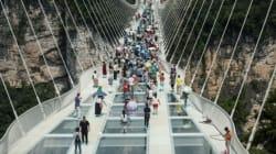 Chine: le pont en verre le plus long du monde ouvre au