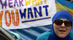Εσωτερικές πολιτικές εντάσεις στη Γαλλία με αφορμή την απαγόρευση του
