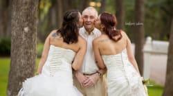 싱글 딸들이 알츠하이머 환자인 아버지와 웨딩 사진을