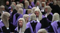 Αυτοί είναι οι 10 πιο περίεργοι νόμοι της Βρετανίας. Μετρούν αιώνες ζωής και βρίσκονται μέχρι σήμερα σε