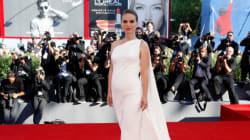 Natalie Portman dévoile sa grossesse sur le tapis rouge de la Mostra de