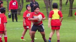 8살 럭비 선수의 엄청난 괴력은 부모들의 걱정거리가
