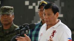 Ένας πρώην εκτελεστής κατηγορεί τον πρόεδρο των Φιλιππίνων ότι σκότωσε με Ούζι στέλεχος του υπουργείου