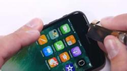 YouTuber προσπάθησε να λυγίσει, να γδάρει και να κάψει το iPhone 7. Ιδού τα