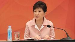 박 대통령은 '비상시국'으로 규정하고, 김재수 장관 임명강행을
