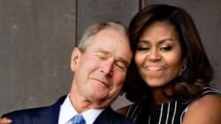 Cette photo de Michelle Obama enlaçant Bush vaut le
