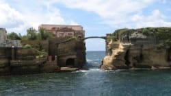 Το πανέμορφο αλλά και καταραμένο νησί Gaiola. Η ρωμαϊκή ακμή, ο «μάγος» και το άσχημο τέλος διάσημων