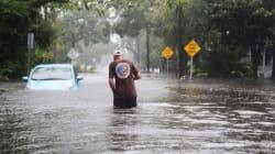 Χιλιάδες οι εγκλωβισμένοι στα σπίτια τους στη Βόρεια Καρολίνα λόγω των πλημμυρών από τον τυφώνα