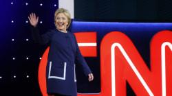 Το CNN φέρεται να αποκαλύπτει στην Κλίντον τις ερωτήσεις που θα κληθεί να απαντήσει στους