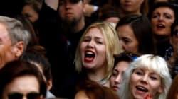 '전면적인 낙태금지법 폐기' 부른 폴란드 '검은 시위'의