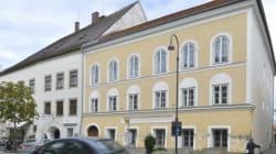 Ποια είναι η γυναίκα που εμπόδιζε την αυστριακή κυβέρνηση να κατεδαφίσει το σπίτι όπου γεννήθηκε ο