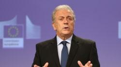 Αβραμόπουλος: Η επιστροφή στα εθνικά σύνορα δεν αποτελεί δυνατή