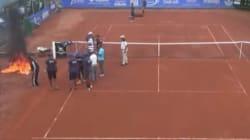 Casablanca: Ils mettent le feu au terrain de tennis pour le sécher