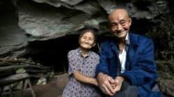 Depuis 50 ans, ce couple préfère habiter une grotte