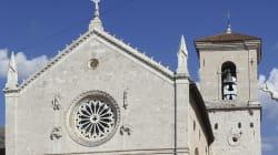 6.5의 강진으로 무너져 내린 이탈리아 문화재 전후의 모습(드론